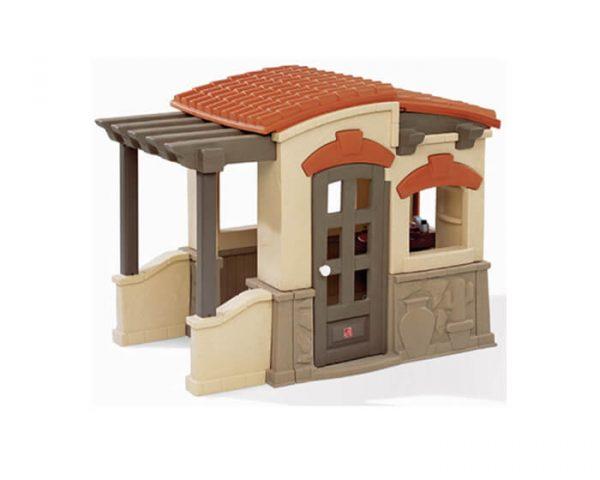 בית לבנים עם מרפסת